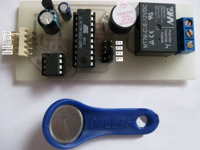 память EEPROM - 24C16.