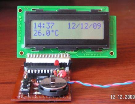 Скачать схему часы-термометр
